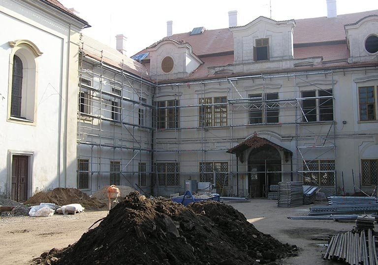 Restoration of the Castle Loučeň