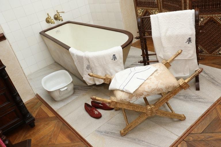 Zámek - koupelna v zámecké expozici obr.32