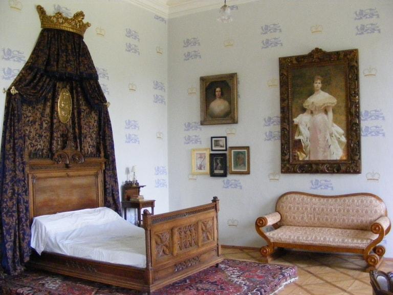Zámek - aktuální fotografie ložnice kněžny po rekonstrukci obr.31