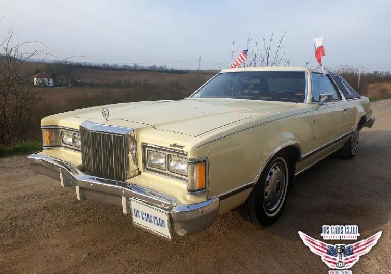 Americká auta na Loučeni na Den nezávislosti