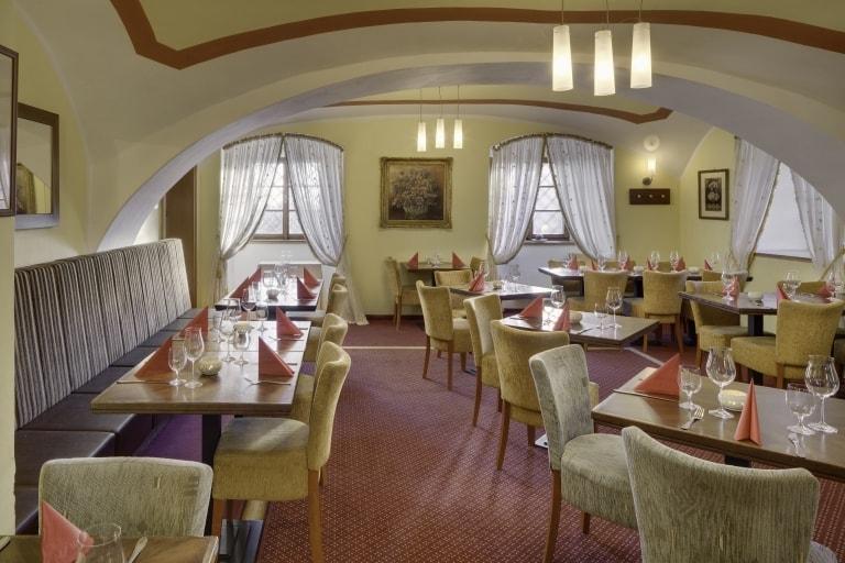 Maxmilian Lifestyle Resort - restaurace obr.1
