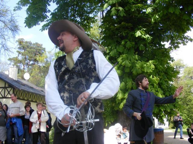 Na zámku Loučeň se utkají šermíři o srdce krásné šlechtičny