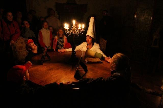 Leden a únor na zámku Loučeň: měsíce plné tajemna a nevšedních setkání s Fantomasem a Bílou paní