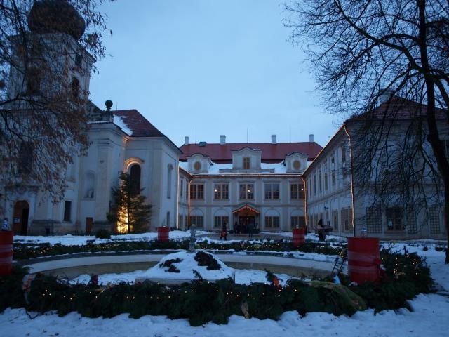 Silvestr přijde na Loučeň dřív než na ostatní místa v Čechách