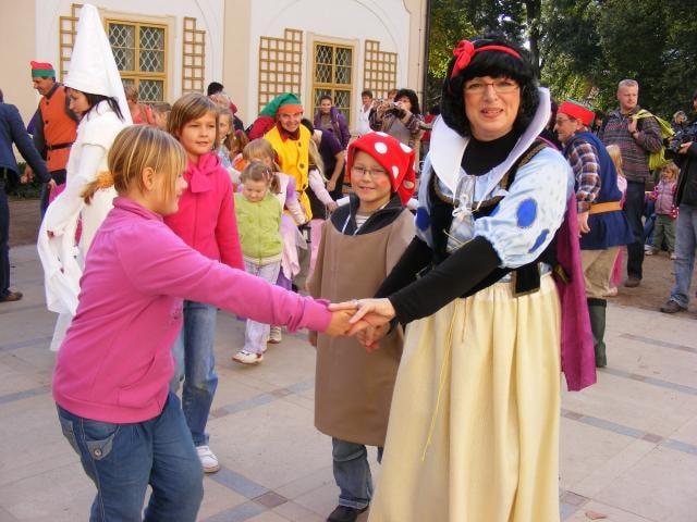 Na Benátském karnevalu se po zjevení Anděla bude tančit kankán