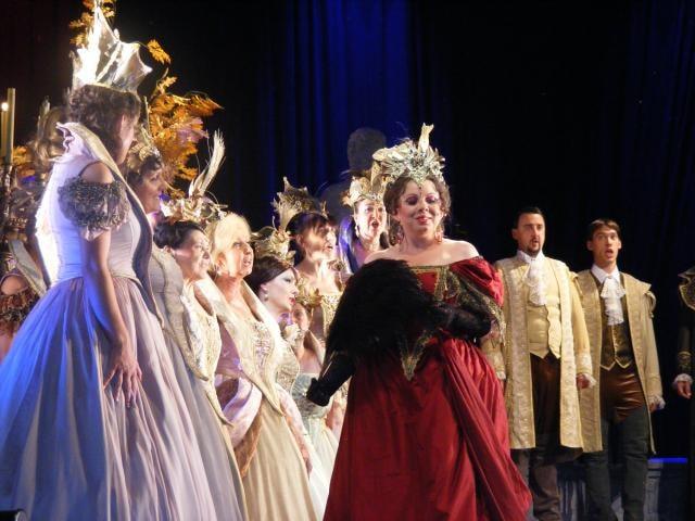 Večer na Loučeni: Opera a hvězdy na jevišti i nad ním