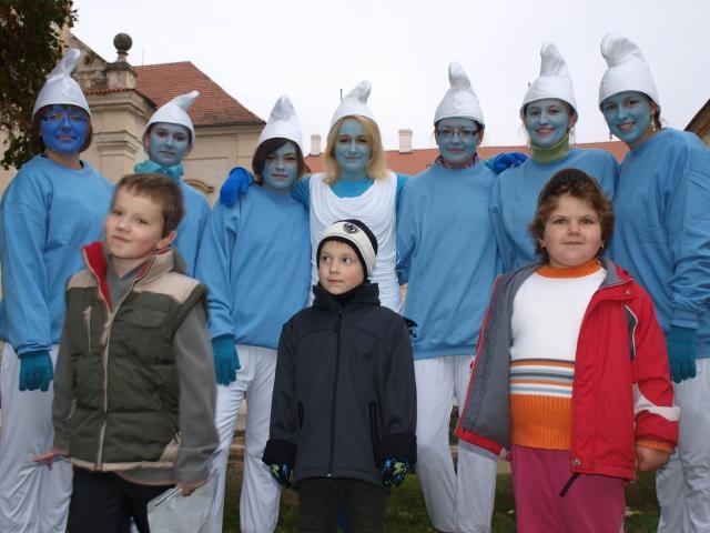 Šmoulové a sv. Hubert nechali na zámku dárky osmi dětem