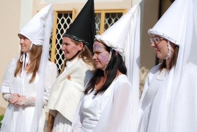 Sjezd Bílých paní vrátil zámek do časů renesance