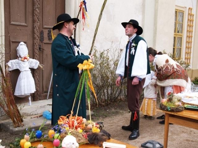 Řehtačkový průvod přijme o Velikonocích sám kníže