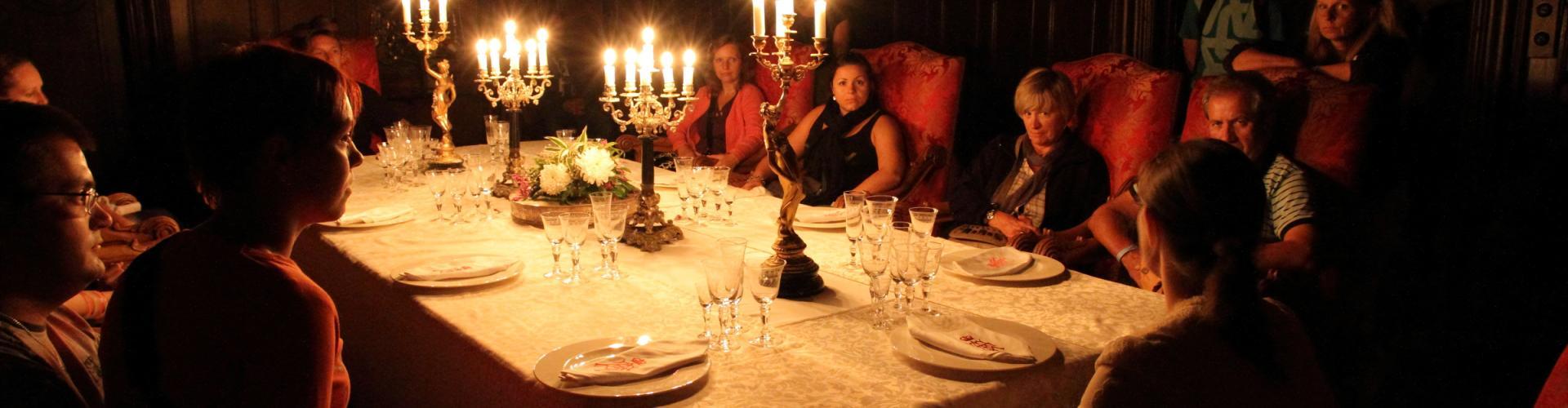 Noční prohlídky zámku s možností romantické večeře a zámeckého ubytování